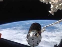 ISS-36 HTV-4 Berthing